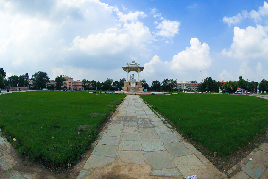 Jawahar Statue