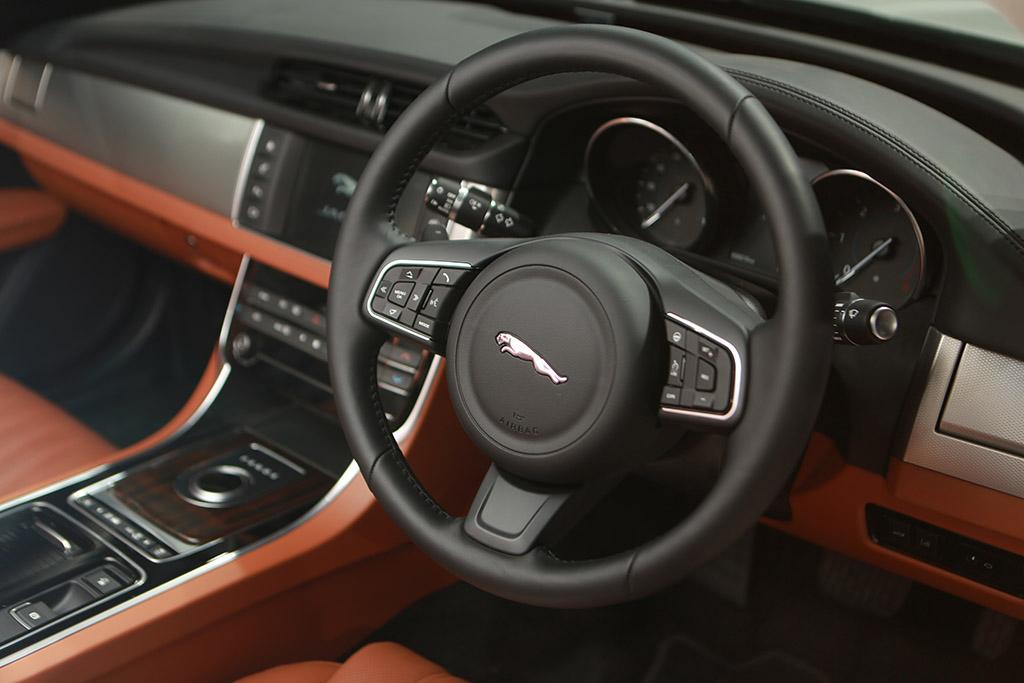 automobile-interior-6