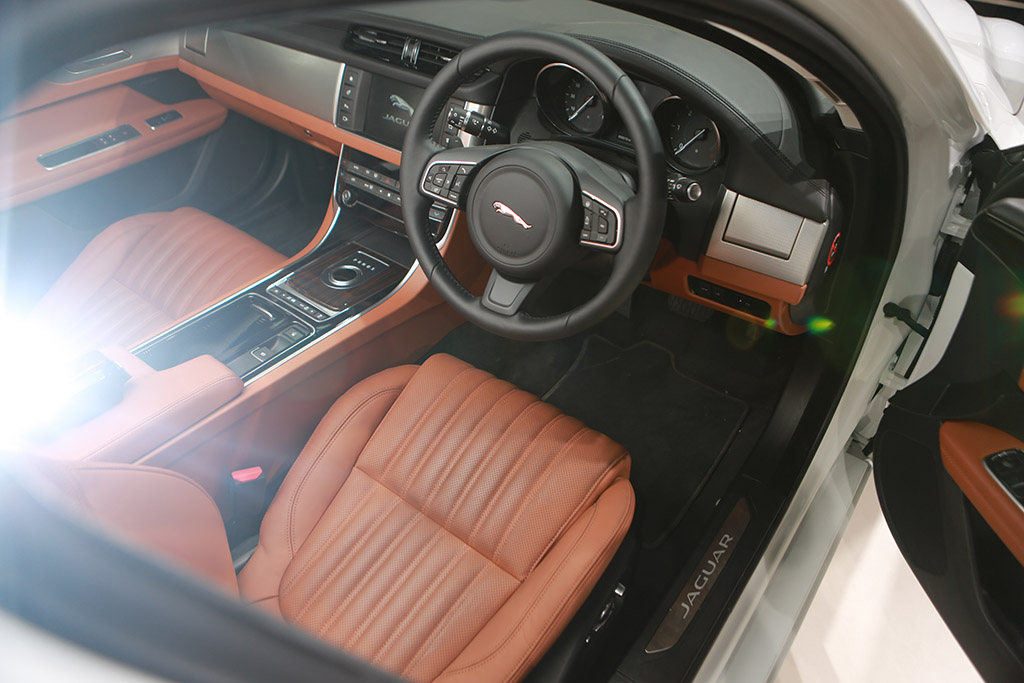 automobile-interior-7